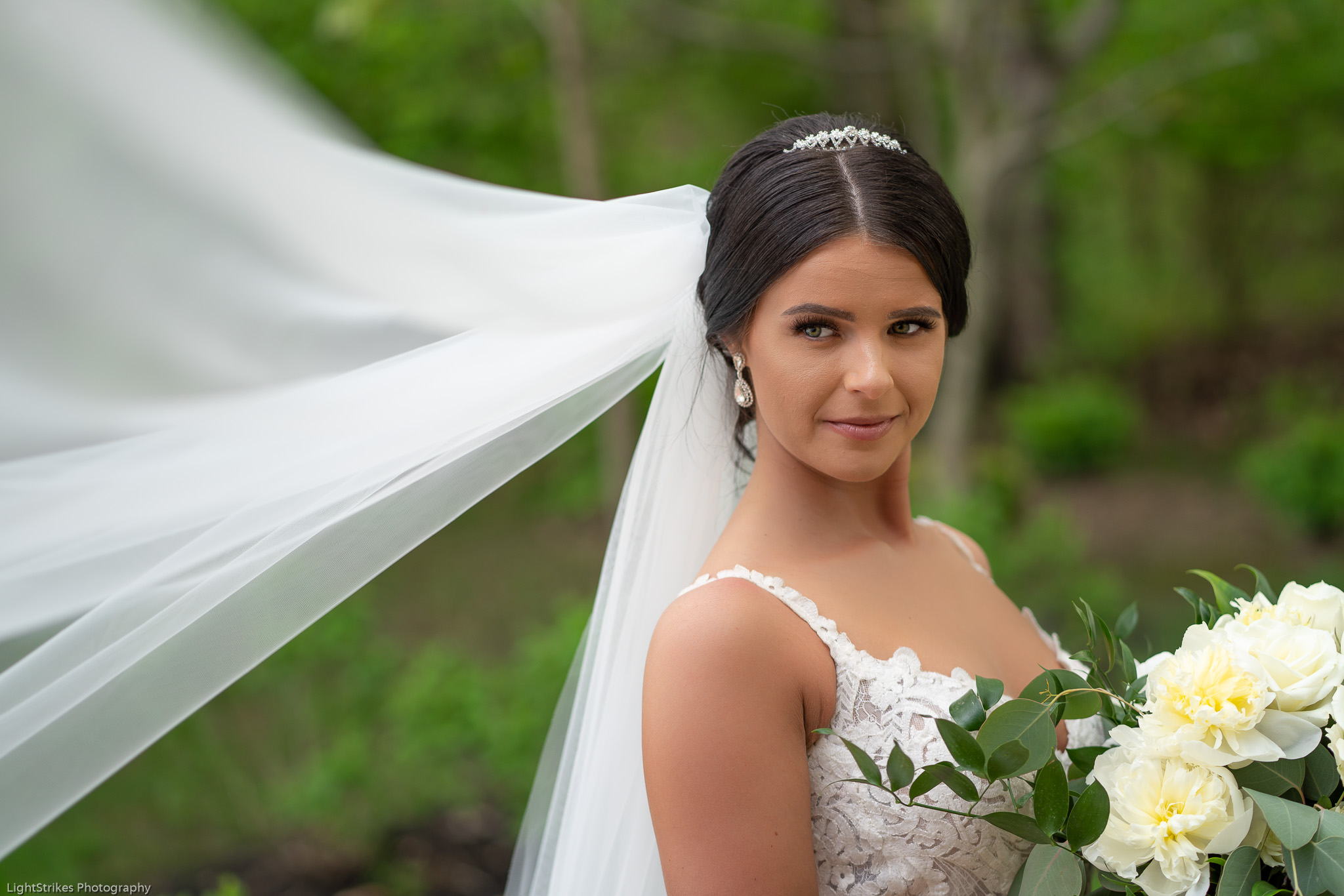 WEDDING TIPS - THE FIRST LOOK